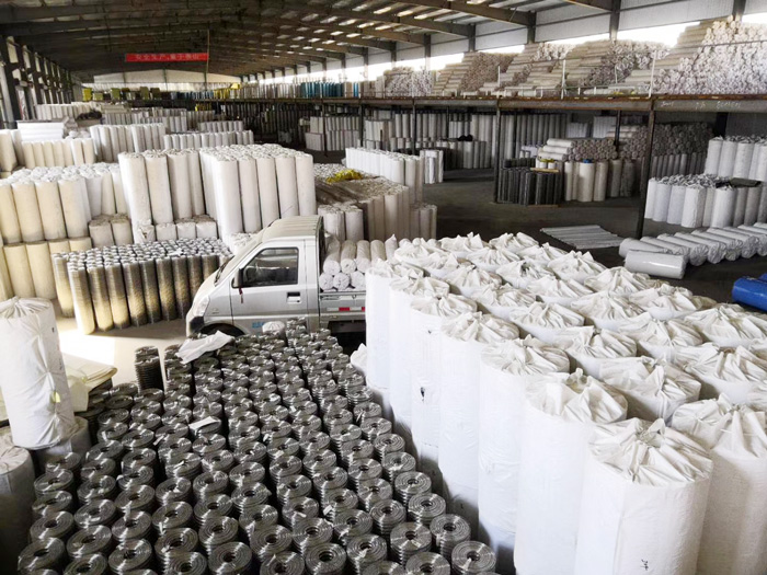 More then 20000 rolls of stainless steel welded wire mesh in stock for sale
