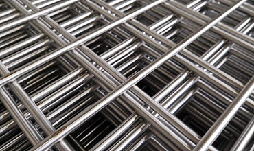 More than 20000 rolls of stainless steel welded wire mesh in stock for sale