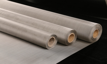 What are the Benefits of Stainless Steel Woven Mesh?